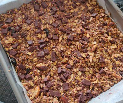 Nutty Chocolate Healthy Granola Bars!